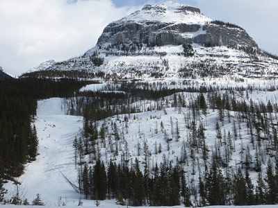 Backcountry-skiing-Kootenay-National-Park