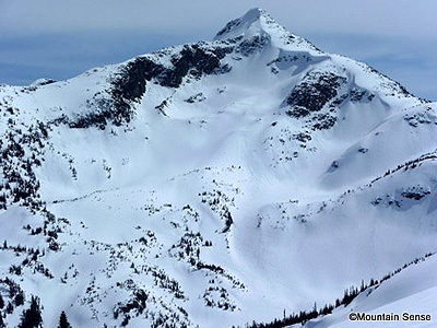 backcountry-skiing-coast-mountains-Whistler-Vantage-Peak-NW