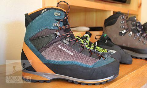 2017 Lowa Boots  amp  Shoes Sneak Peek - VIDEO 78d3bf027b2